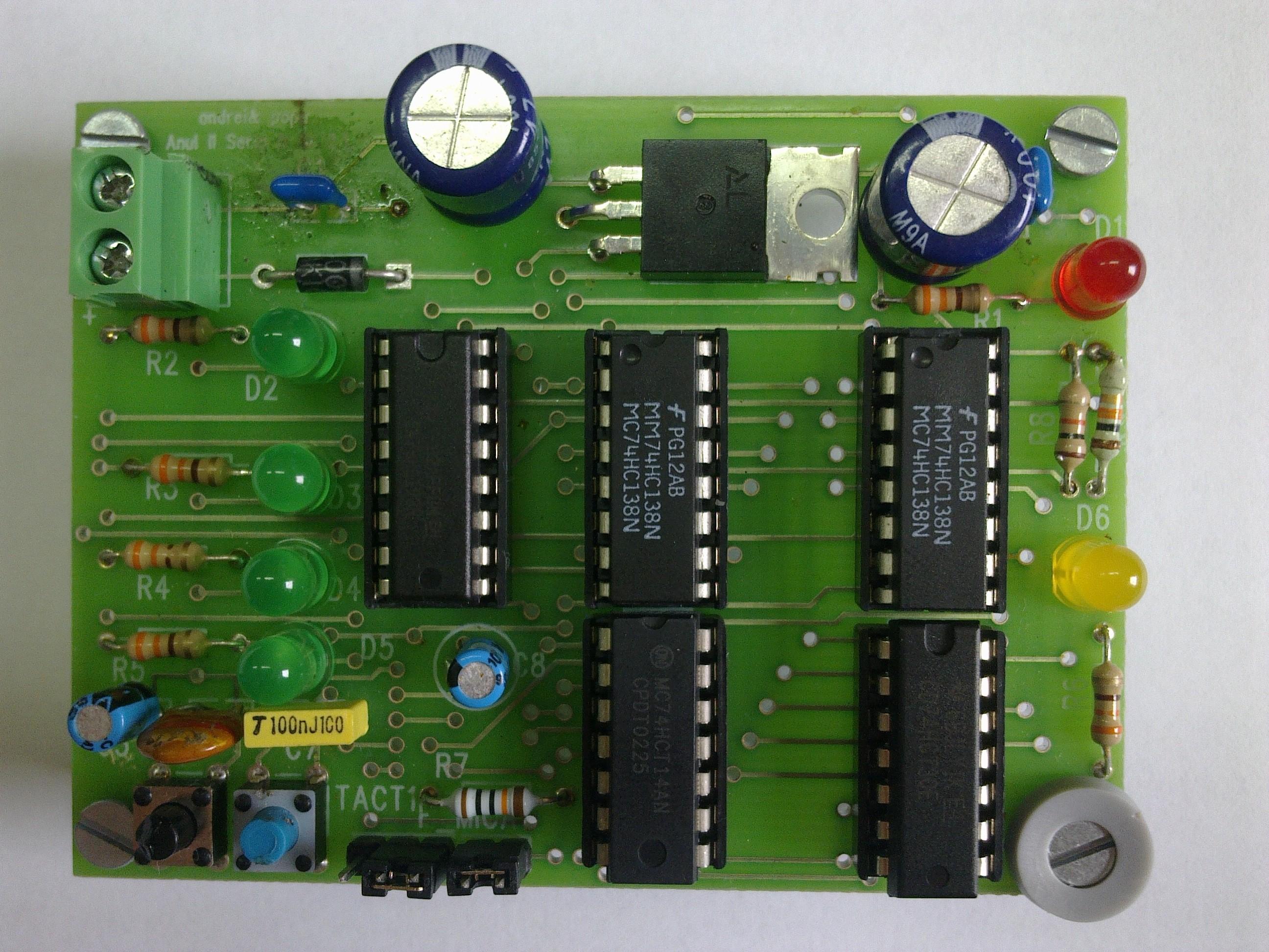 detector de numere prime pe 4 biti